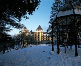 Wildflower-Hall,-Mashobra,-Shimla